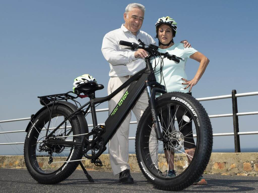 EzyBike Electric Commuter Bike Couple